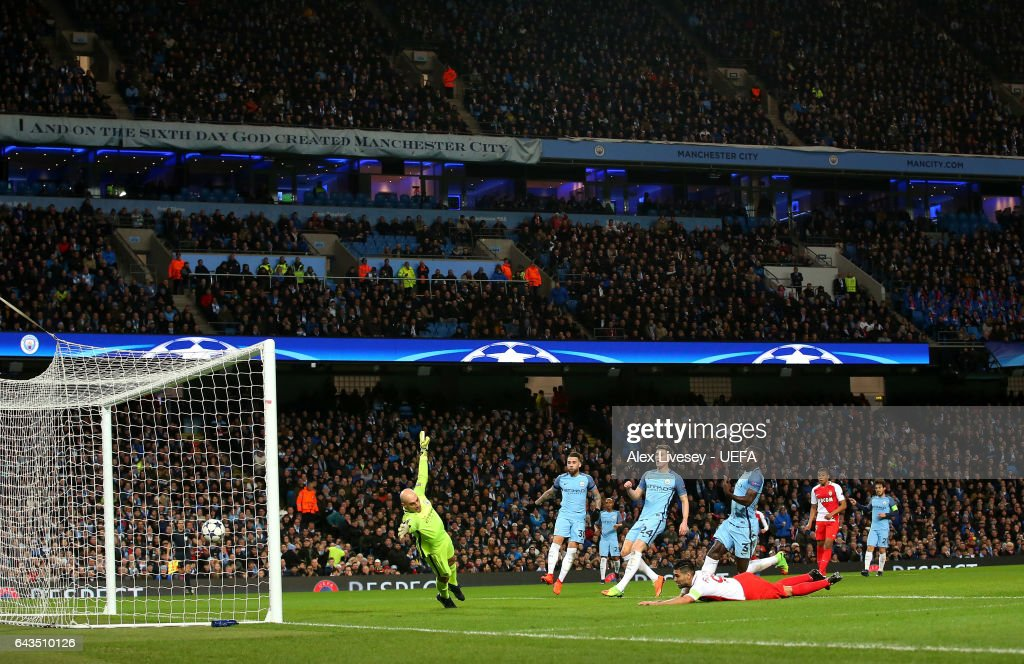 Radamel Falcao of AS Monaco scores their first goal during the UEFA Champions League Round of 16 first leg match between Manchester City FC and AS Monaco at Etihad Stadium on February 21, 2017 in Manchester, United Kingdom.