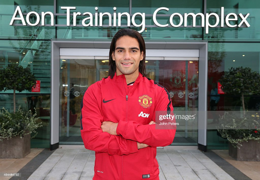 Radamel Falcao Signs For Manchester United On Loan From Monaco : Photo d'actualité