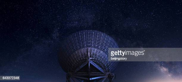 radar station under milky way - radio telescope stock pictures, royalty-free photos & images