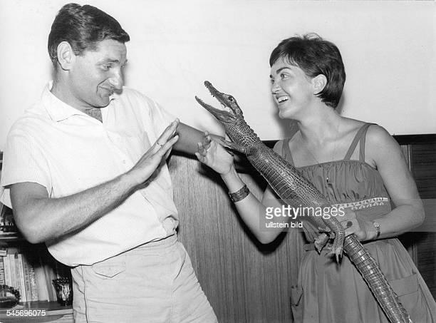 Radenkovic, Petar *-Sportler, Fussball, Torwart, Jugoslawien - mit Ehefrau Olga- Oktober 1965