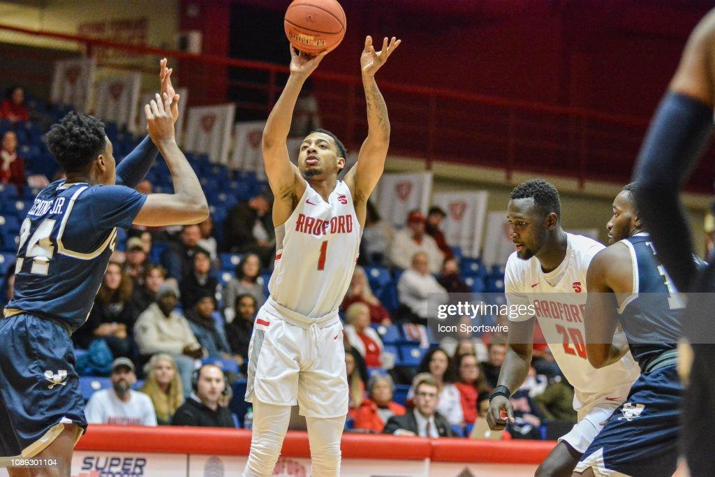 COLLEGE BASKETBALL: JAN 24 Charleston Southern at Radford : News Photo