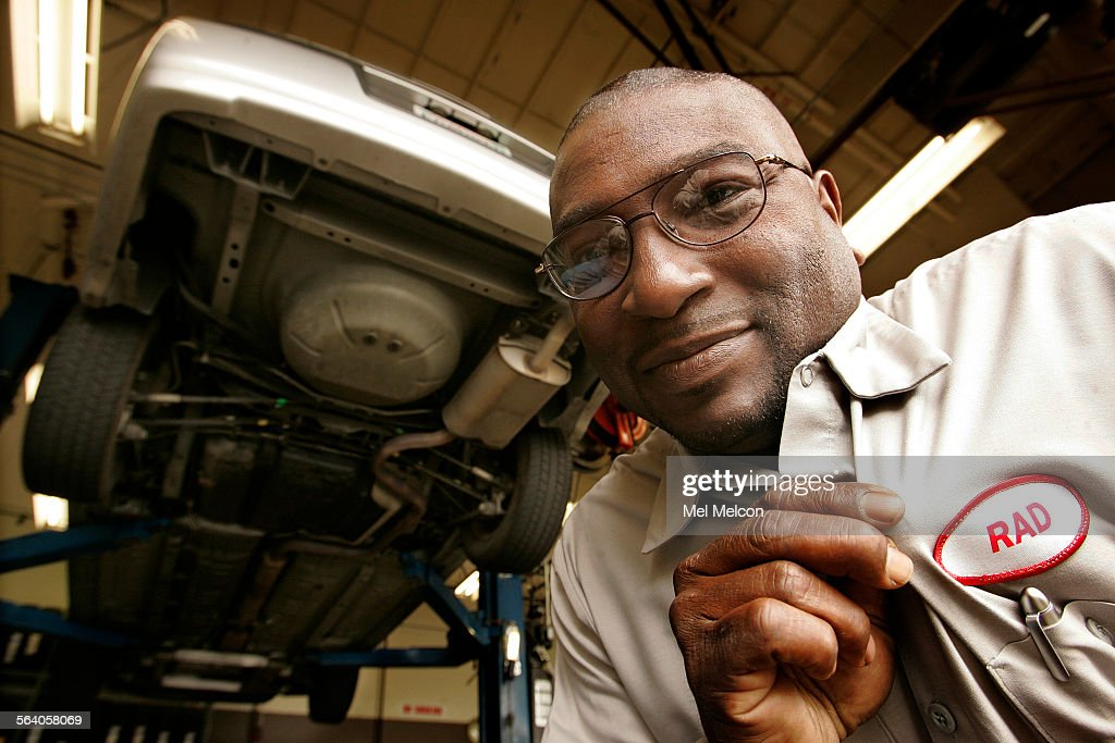 Radford Jackson senior auto mechanic for GSA Fleet Services