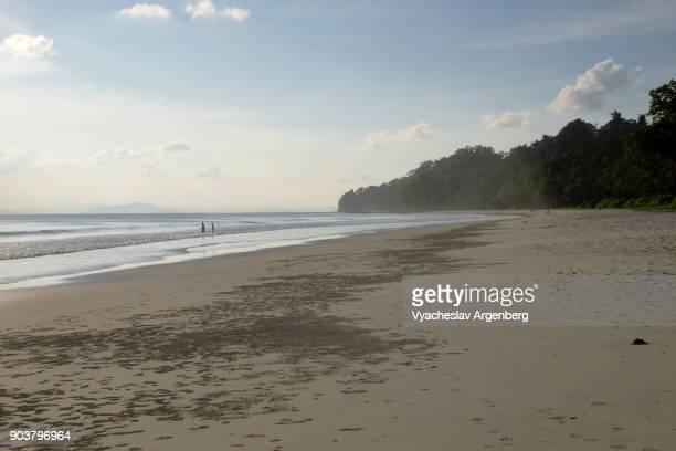 radhanagar beach at sunset, havelock island, andaman and nicobar islands, india - argenberg stock pictures, royalty-free photos & images