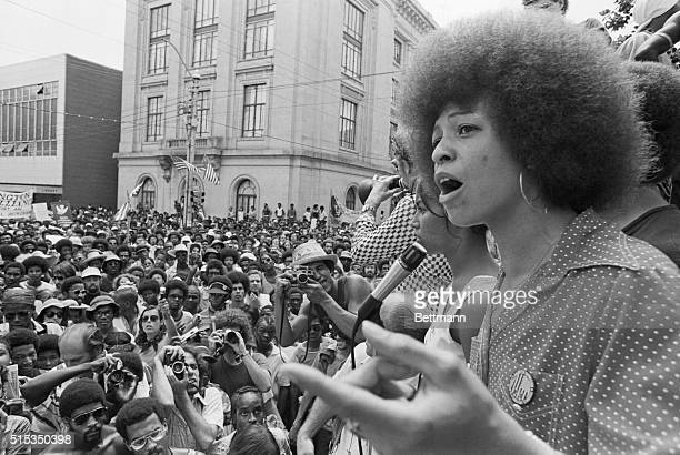 Radical political activist Angela Davis speaks at a street rally in Raleigh, North Carolina, 4th July 1974.