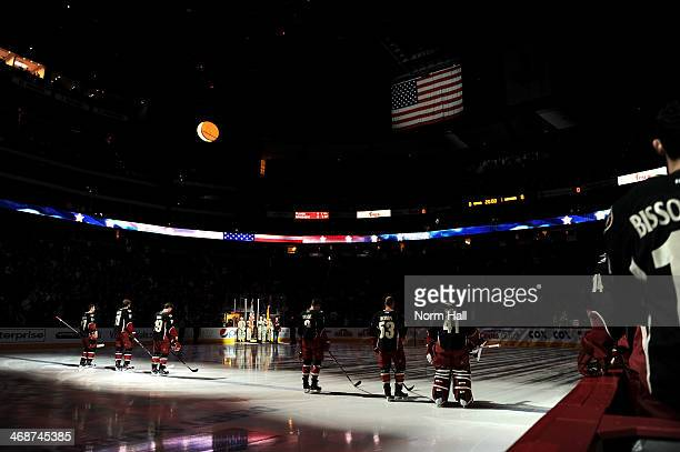 Radim Vrbata, Martin Hanzal, Shane Doan, Keith Yandle, Derek Morris and Mike Smith of the Phoenix Coyotes line up on the blue line during the...