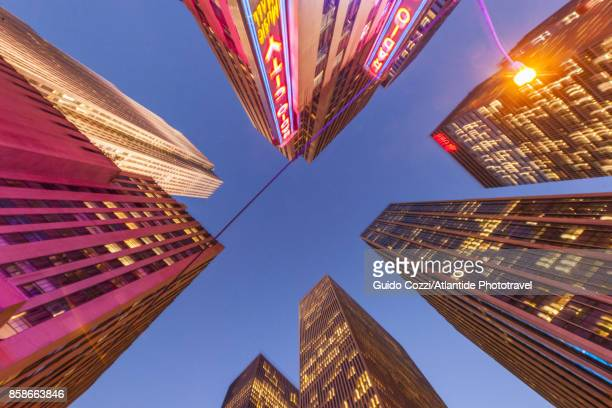 radio city hall - sixth avenue stock pictures, royalty-free photos & images