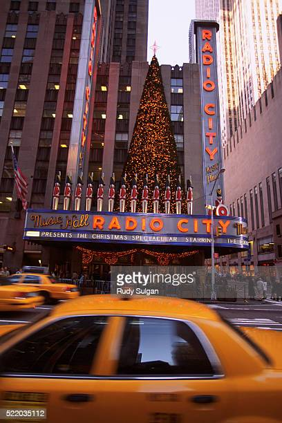 radio city music hall at christmas time - christmas music stock pictures, royalty-free photos & images