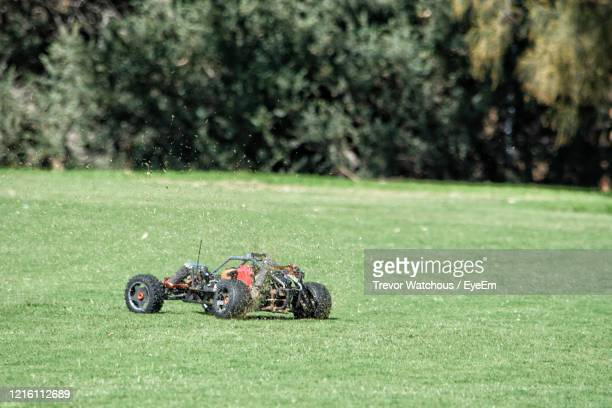 radio control led car in fied - remote control car games stock pictures, royalty-free photos & images