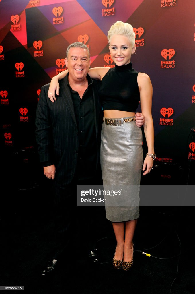 2012 iHeartRadio Music Festival - Day 1 - Elvis Duran Broadcast Room : News Photo