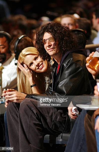 Radio Jockey Howard Stern with girlfriend at the New Jersey Nets versus the New York Knicks game on March 19 2004 at Madison Square Garden in New...