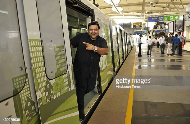 Radio Jockey Nitin of fever 104 fm at a promotional event for increasing ridership of Rapid Metro on July 31 2014 in Gurgaon India The privatelyrun...