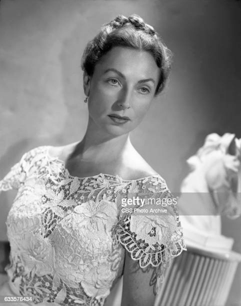 Radio performer Agnes Moorehead models fashions on July 1 1947 in Hollywood CA