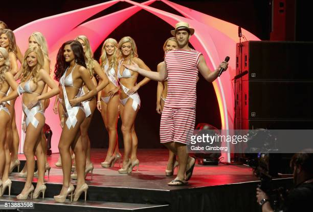 Radio personality and cohost Rich Davis jokes around during the 21st annual Hooters International Swimsuit Pageant at The Pearl concert theater at...