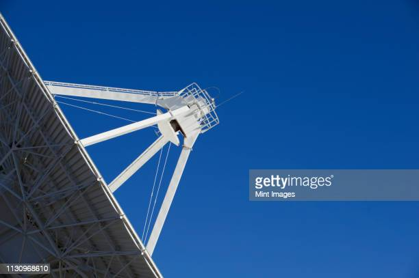 radio telescope - telecommunications equipment stock pictures, royalty-free photos & images