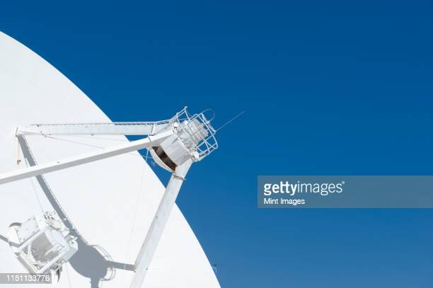 radio telescope - receiver stock pictures, royalty-free photos & images