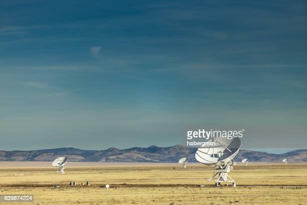 Radio Telescopes of the Very Large Array