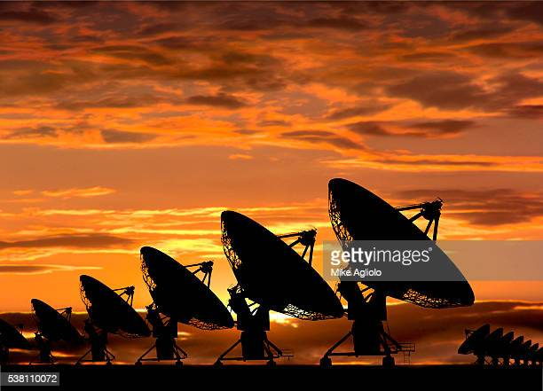 radio telescopes - mike agliolo stock pictures, royalty-free photos & images