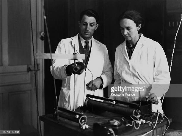 Radium Institute Joliot Curie And Her Wife Irene Curie In Their Lab In Paris On December 1932