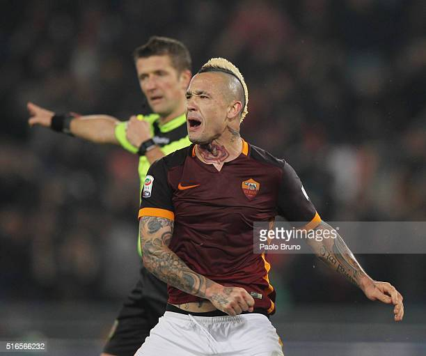 Radja Nainggolan AS Roma celebrates after scoring the team's first goal during the Serie A match between AS Roma and FC Internazionale Milano at...