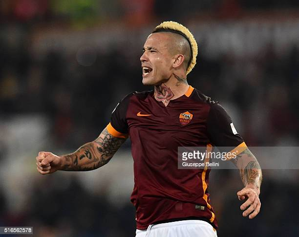 Radja Nainggolan of AS Roma celebrates after scoring the goal 11 during the Serie A match between AS Roma and FC Internazionale Milano at Stadio...