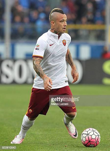 Radja Nainggolan of AS Roma in action during the Serie A match between Atalanta BC and AS Roma at Stadio Atleti Azzurri d'Italia on April 17 2016 in...