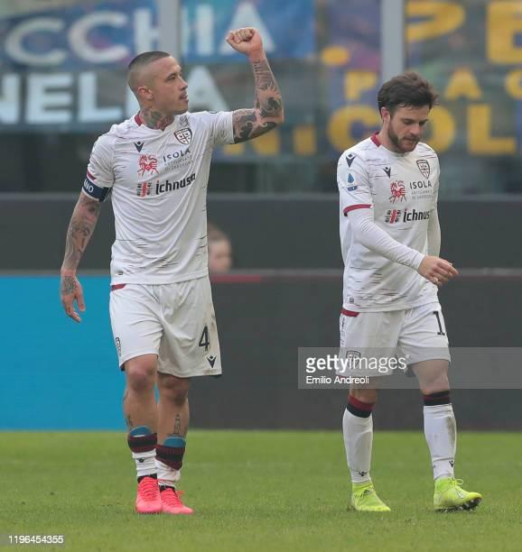 Radja Nainggolan of Cagliari Calcio celebrates his goal during the Serie A match between FC Internazionale and Cagliari Calcio at Stadio Giuseppe...