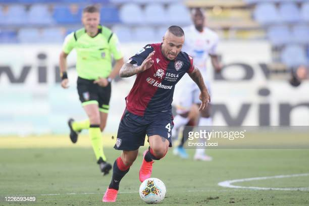 Radja Nainggolan of Cagliari in action during the Serie A match between Cagliari Calcio and US Lecce at Sardegna Arena on July 12, 2020 in Cagliari,...