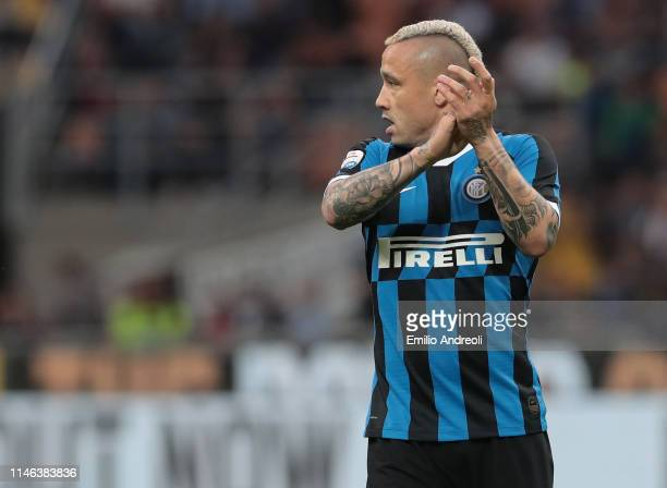 Radja Nainggolan of FC Internazionale applaudes during the Serie A match between FC Internazionale and Empoli FC at Stadio Giuseppe Meazza on May 26,...