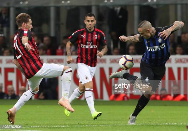 Radja Nainggolan of FC Internazionale in action during the Serie A match between FC Internazionale and AC Milan at Stadio Giuseppe Meazza on October...