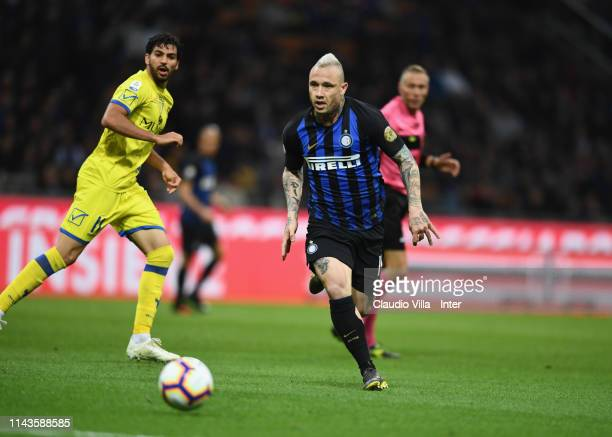 Radja Nainggolan of FC Internazionale in action during the Serie A match between FC Internazionale and Chievo at Stadio Giuseppe Meazza on May 13...