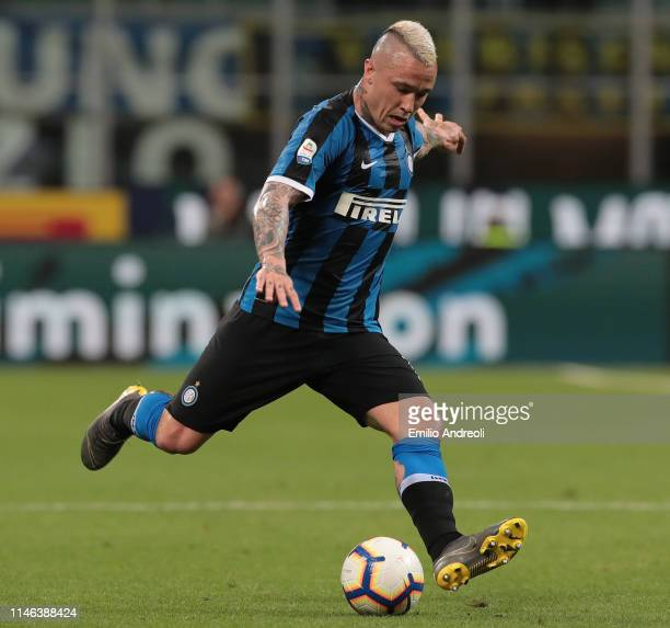 Radja Nainggolan of FC Internazionale kicks the ball during the Serie A match between FC Internazionale and Empoli FC at Stadio Giuseppe Meazza on...