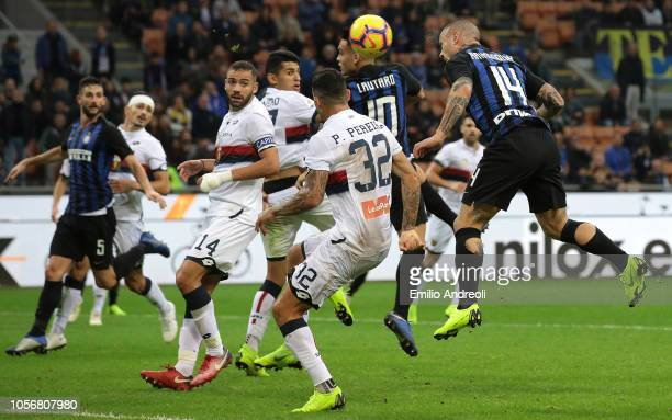Radja Nainggolan of FC Internazionale scores his goal during the Serie A match between FC Internazionale and Genoa CFC at Stadio Giuseppe Meazza on...
