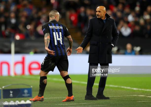 Radja Nainggolan of Inter Milan reacts after being substituted off by Luciano Spalletti Manager of Inter Milan during the UEFA Champions League Group...