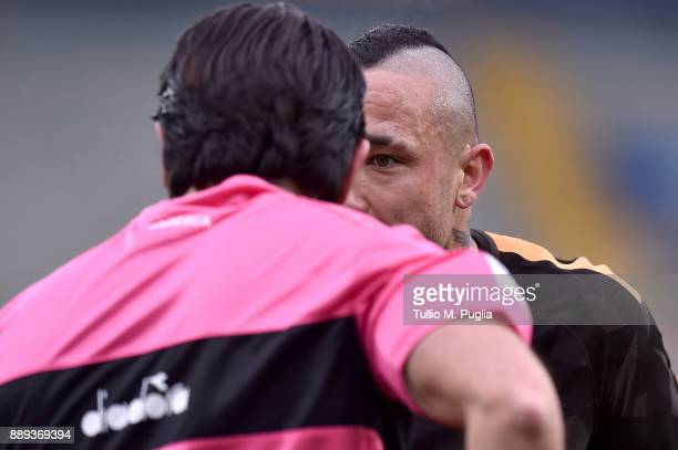 Radja Nainggolan of Roma speaks with referee Fabio Maresca during the Serie A match between AC Chievo Verona and AS Roma at Stadio Marc'Antonio...