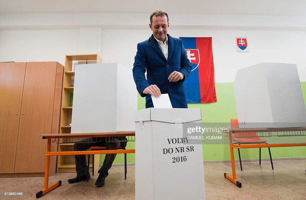 SLOVAKIA-VOTE : News Photo
