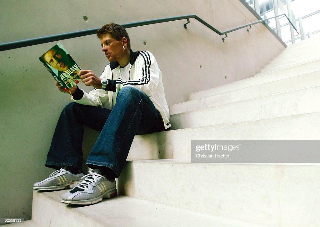 Radsport: Buchvorstellung Jan ULLRICH 2004 : News Photo