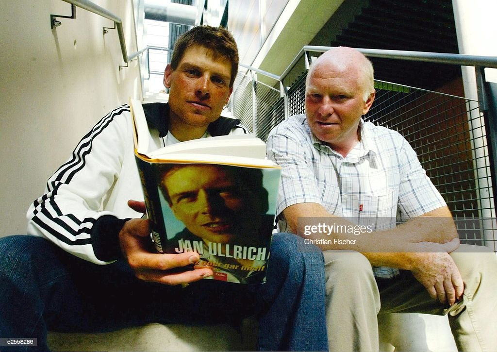 Radsport: Buchvorstellung Jan ULLRICH 2004 : News Photo