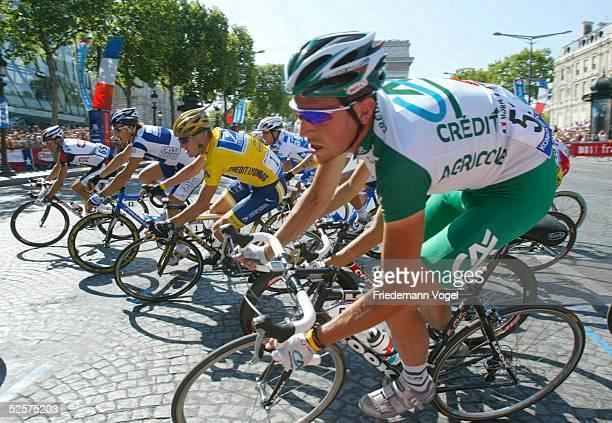 Radsport Tour de France 2004 20 Etappe / Montereau Paris Andrea PERON / ITA CSC Fabian CANCELLARA / SUI Fassa Lance ARMSTRONG / USA Postal Christophe...