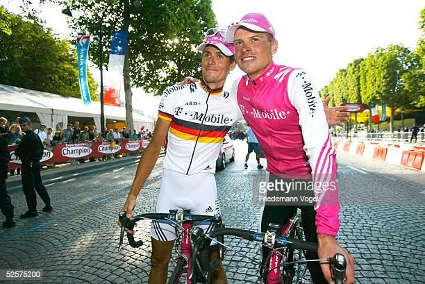 Radsport: Tour de France 2004, 20. Etappe / Montereau - Paris ; Andreas KLOEDEN / GER, Jan ULLRICH / GER 25.07.04.