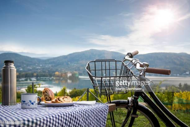 Radtour am Wörthersee - Picknick mit Kärntner Reindling