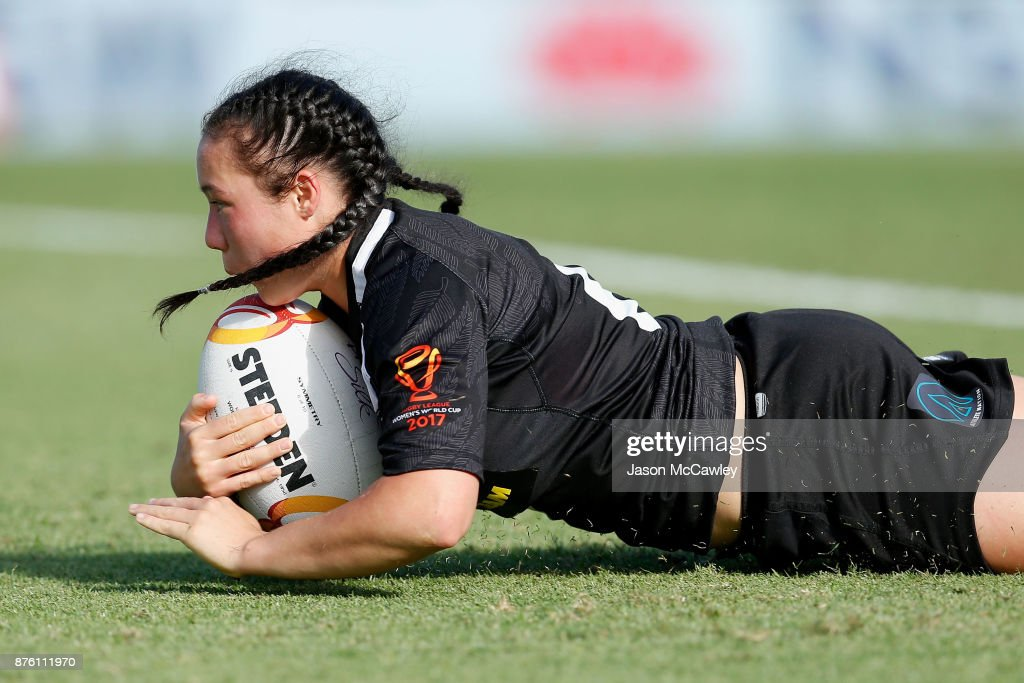 Raecene McGregor of New Zealand scores a try during the 2017 Women's Rugby League World Cup match between New Zealand and Cook Islands at Southern Cross Group Stadium on November 19, 2017 in Sydney, Australia.