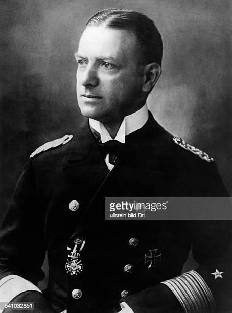 Raeder Erich *24041876Marineoffizier Grossadmiral DOberbefehlshaber der Kriegsmarine 19351943 als Konteradmiral undatiert