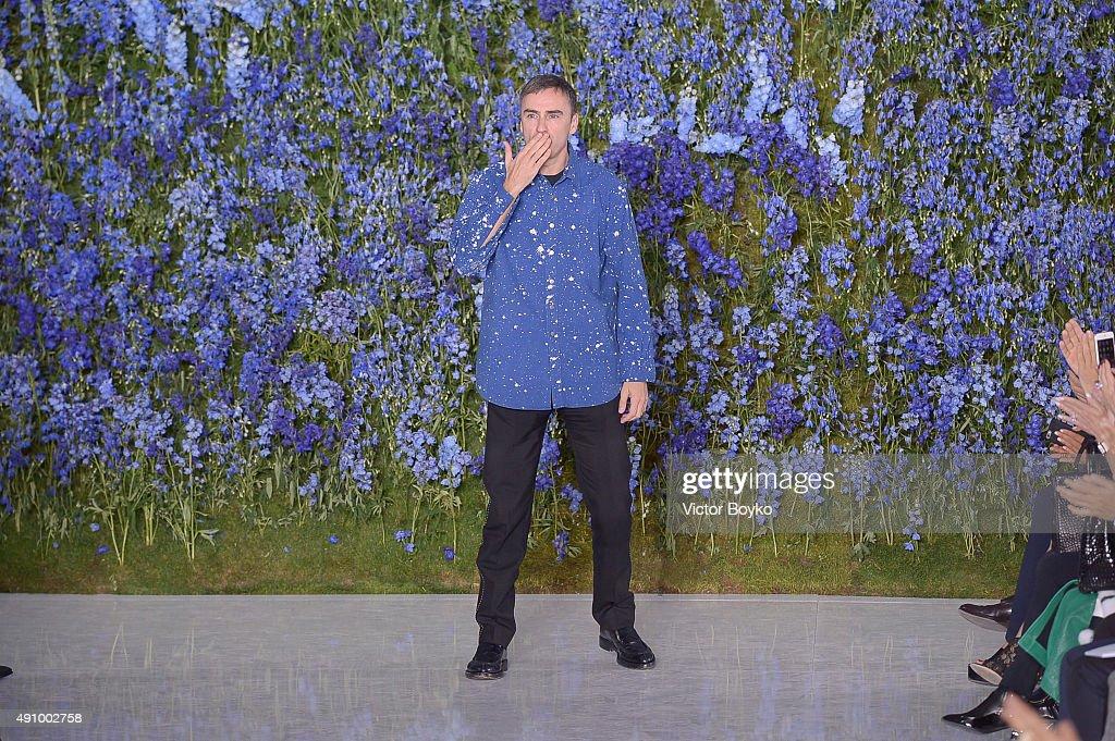 Christian Dior : Runway - Paris Fashion Week Womenswear Spring/Summer 2016 : News Photo