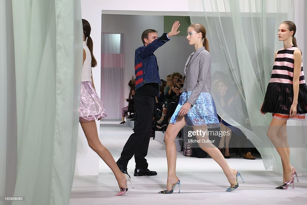 Christian Dior: Runway - Paris Fashion Week Womenswear Spring / Summer 2013 : News Photo