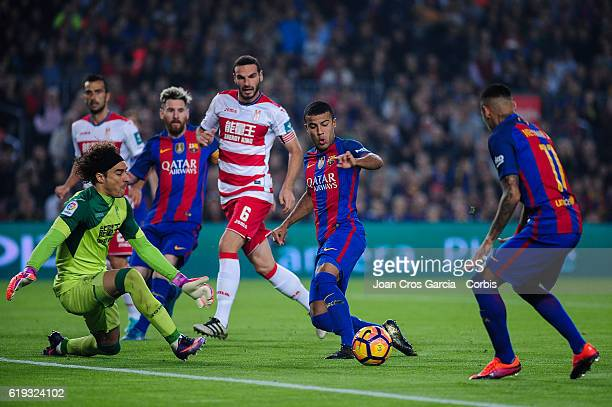 Rafael Alcántara of FC Barcelona scoring a goal during the Spanish League match between FC Barcelona vs Granada CF at Camp Nou Stadium on October 29...