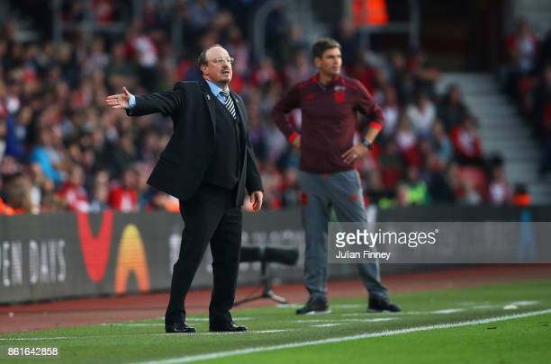 Rafael Benitez Manager of Newcastle United and Mauricio Pellegrino Manager of Southampton look on during the Premier League match between Southampton...