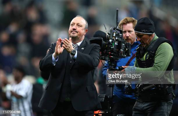 Rafael Benitez, Manager of Newcastle United applauds the crowd after the Premier League match between Newcastle United and Liverpool FC at St. James...