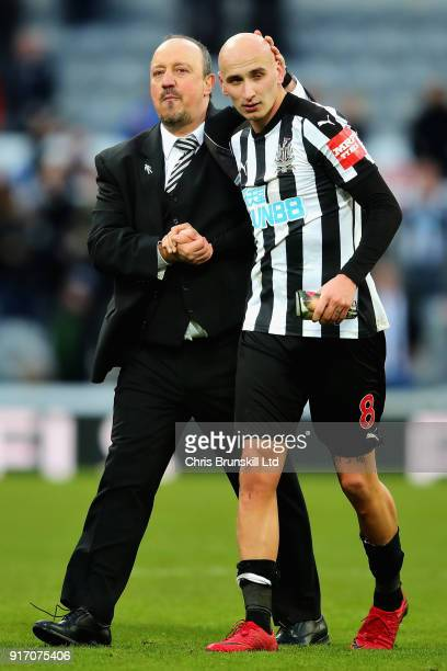 Rafael Benitez Manager of Newcastle United shakes hands with Jonjo Shelvey of Newcastle United after the Premier League match between Newcastle...
