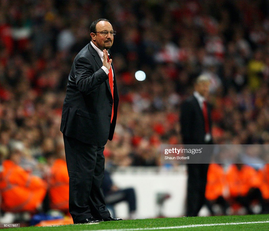 Rafael Benitez the Liverpool coach shouts instructions during the Carling Cup 4th Round match between Arsenal and Liverpool at the Emirates Stadium on October 28, 2009 in London, England.