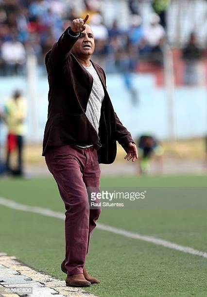 Rafael Castillo head coach of UTC shouts instructions to his players during a match between UTC and Sporting Cristal as part of 4th round of Torneo...